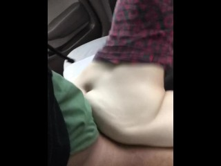Amateur big booty white girl rides hung dude in car