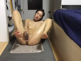 Chinese Girl Masturb after Yoga in the Dorm