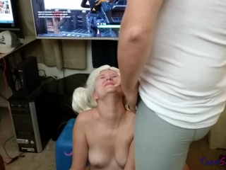 Fortnite Facial 18 y/o girl gives me a blowjob while i play battle royale!