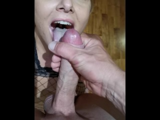 Intense blowjob in a Hotel room. MONSTER LOAD. GAGGED! Simply too MUCH CUM!