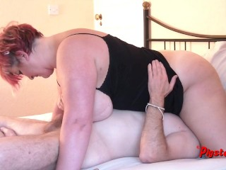 Camera Man Licks and Fucks BBW Pussy After She Masturbates and Squirts