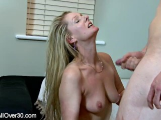 Mature English Honey Caroline
