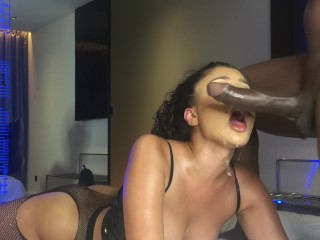 INDIAN COLLEGE BABE SUCKS HUGE BLACK COCK